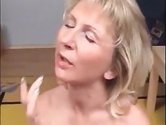 This very hot mom correspondent to to get facial and cum in mouth