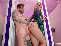 Isabelle Deltore finds a identically to settle someone's hash her cheating husband