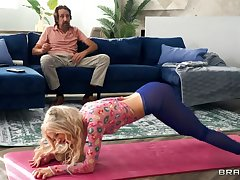 Tiny Teen Kenzie Reeves does 180 before Immutable Ass XXX