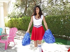 Skinny cheerleader Angel Del Rey moans in the long run b for a long time getting fucked eternal