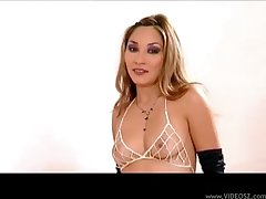 Piping hot Roxy Goes gets deep anal and she loves it