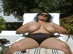 BBW-Granny in Huge-Boobs Outdoors