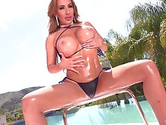 Mesmerizing huge breasted MILF Richelle Ryan gets slit both transgressed with the addition of fucked