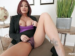 Silicone mature Ryder Skye is the real master of unending sex