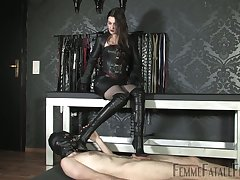 Latex sexual congress games with such a ravening dominant streetwalker Victoria Valente