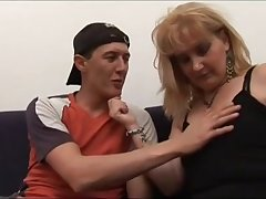 Milf Hairy Stepmom Helping Younger Guy Near Become Anybody