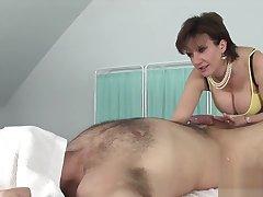 Unfaithful english milf laddie sonia shows her big titties