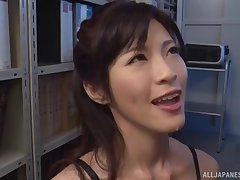 Stunning secretary Sara Yurikawa drops on say no to knees to divert